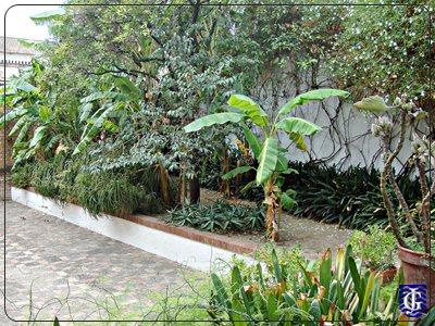 Jardin de bodegas harveys jerezsiempre monumentos for Bodegas de jardin