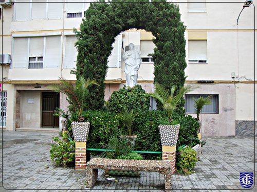 Jardin plaza de los pinos jerezsiempre monumentos for Pinos para jardin