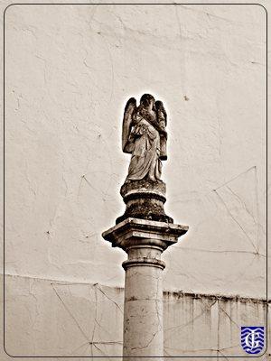 Monumento en patio alvar l pez 7 jerezsiempre wiki for Calle prado jerez 3 navacerrada